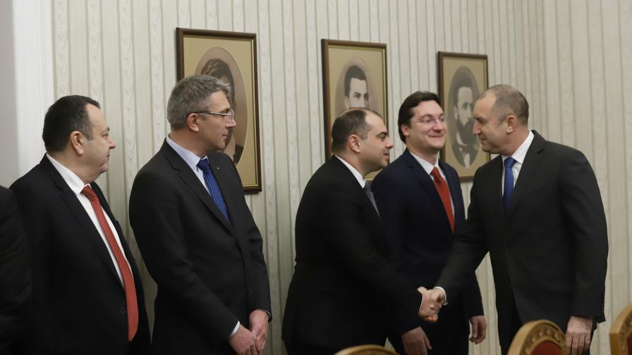 Скандал на върха, ГЕРБ: Радев не е поканил Борисов