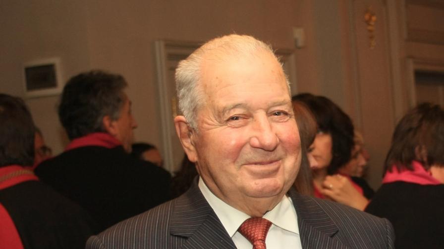 Почина академик Благовест Сендов