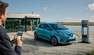 През 2019 г. Renault продаде 62 447 електромобила в света, което е съществен скок спрямо продадените 49 300 през 2018 г. Основният дял от тях се пада на Zoe с 48 369 продажби.