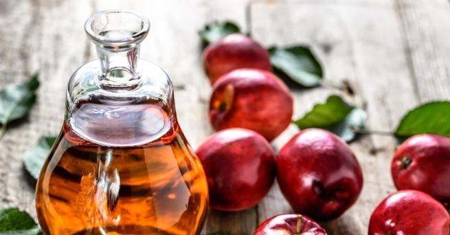 Ябълковият оцетсе използва от векове като здравословен тоник, койтопонижава кръвната
