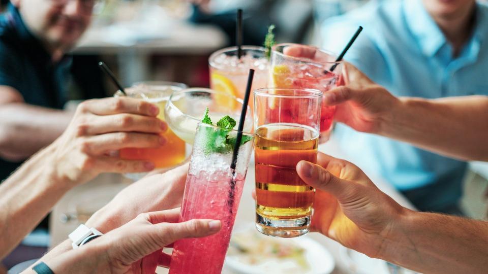 алкохол питие