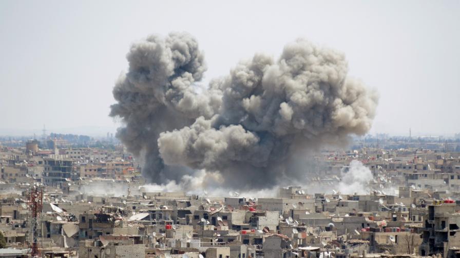 Десетки убити при въздушни удари в Идлиб, сред жертвите и деца
