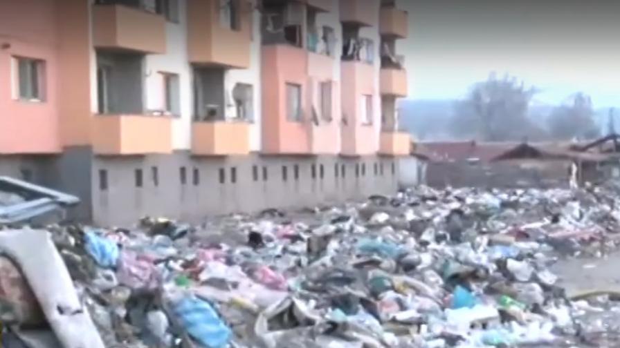 """Блок """"Кармен"""": С помощта на бога ще изхвърлим боклука"""