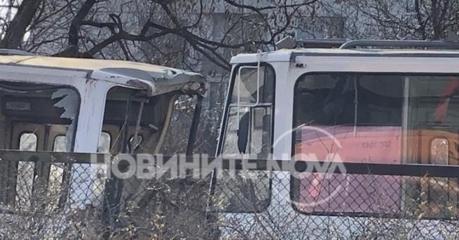 България Четири трамвая се удариха в София, има жертва и