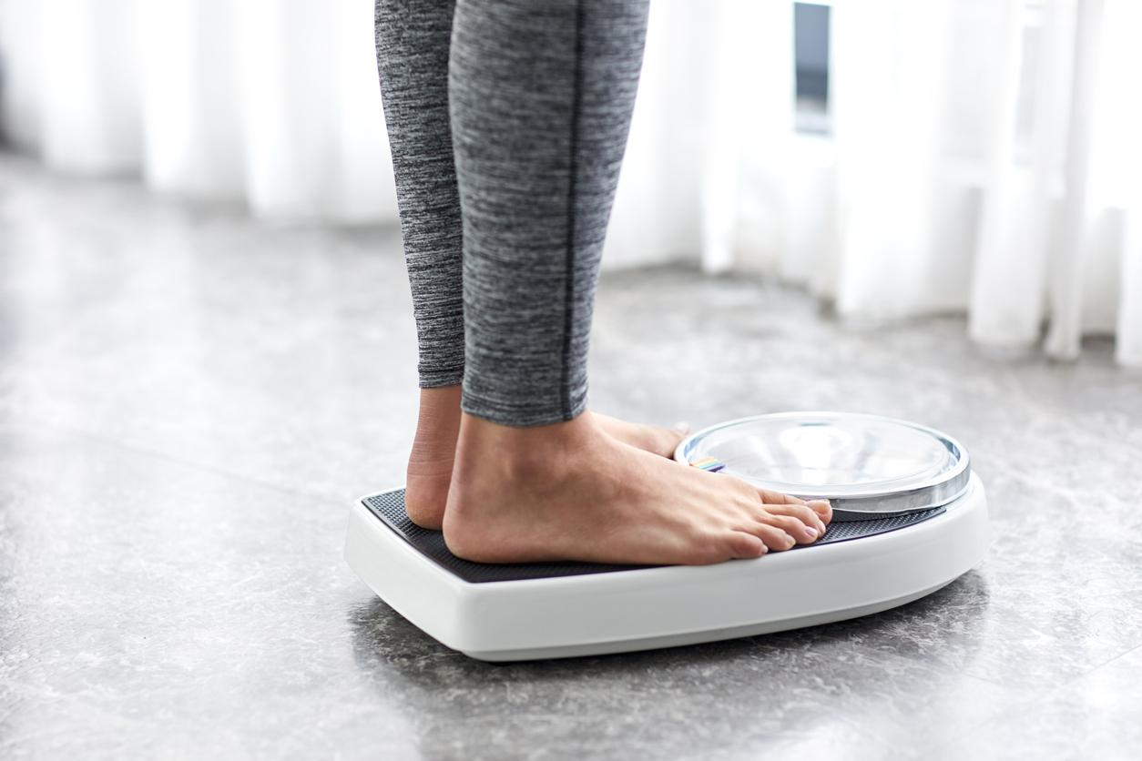<p><strong>4.&nbsp; Следете теглото си</strong></p>  <p>Преценете кое е здравословното тегло за вас. Ако имате наднормено тегло или затлъстяване, е добре да отслабнете. Започнете като приемате по-малко калории и се движите повече. Можете да проверите индекса на телесната си маса. Ако имате нужда от помощ, консултирайте се с лекар.</p>