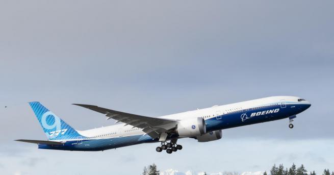 Технологии Boeing 777X направи успешен първи полет Самолетът се отличава