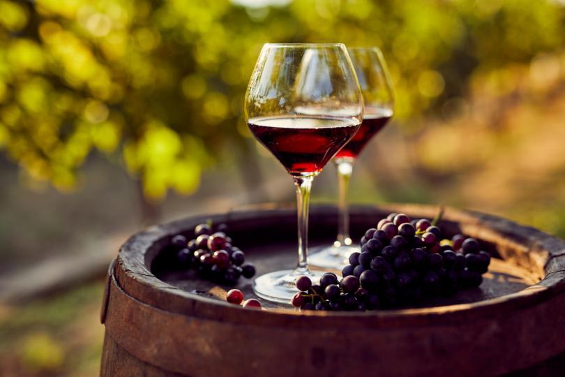 <p>Вино и грозде</p>