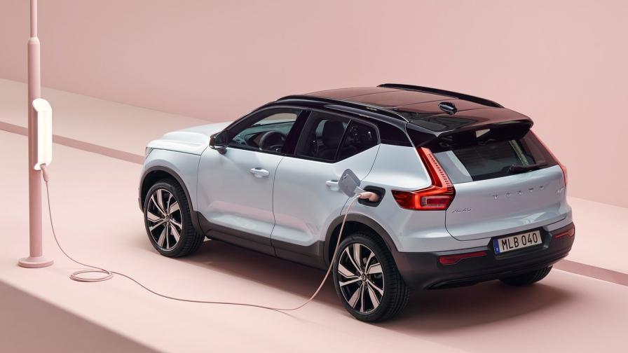 Volvo XC40 Recharge P8 AWD е с пробег над 400 км (WLTP) и мощност от 408 к.с.