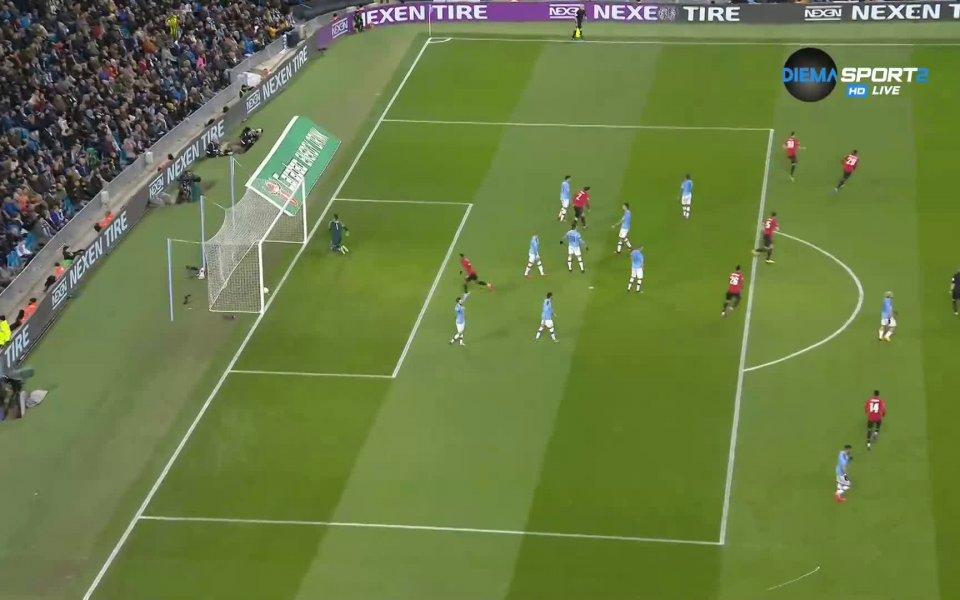 Манчестър Юнайтед води с 1:0 на почивката на втория двубой