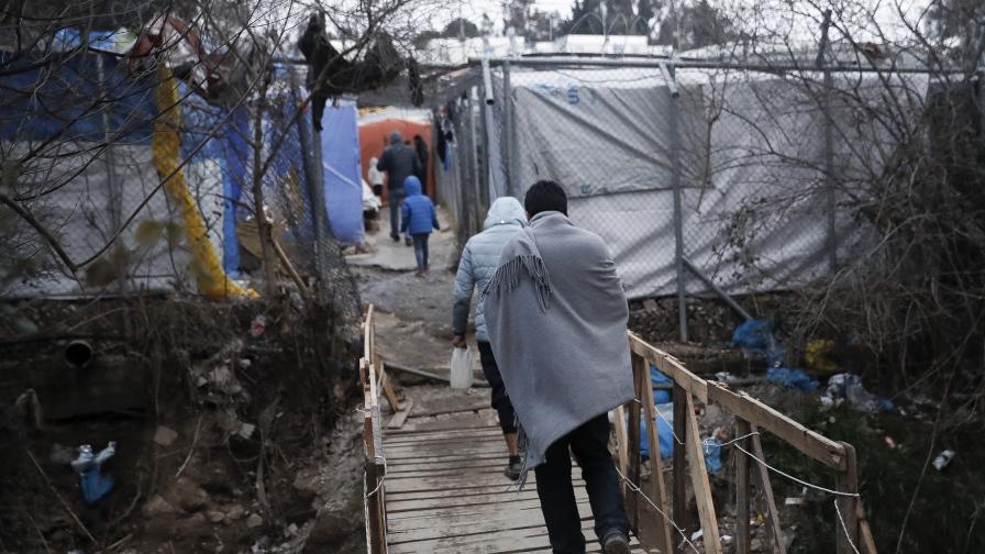 <p>Гърция се огражда и по море. Заради бежанците&nbsp;&nbsp;</p>