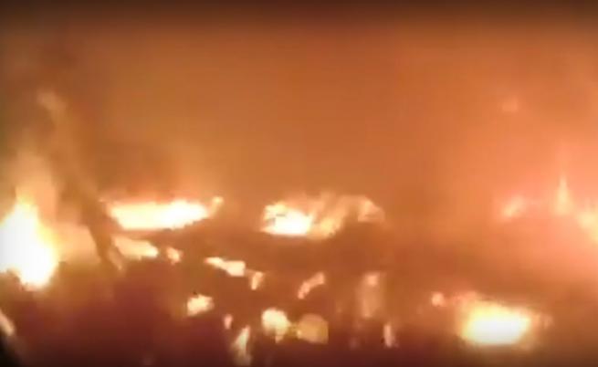 Пожарникари бягат секунди преди да започне адът