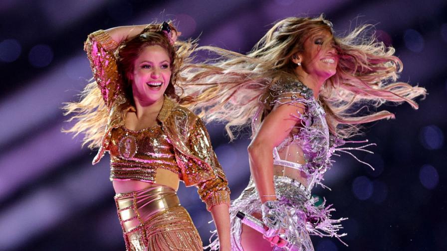 "<p><span style=""color:#ffbc00;""><strong>Джей Ло</strong></span> и <strong><span style=""color:#ffbc00;"">Шакира</span> </strong>превзеха сцената на Супербоул</p>"