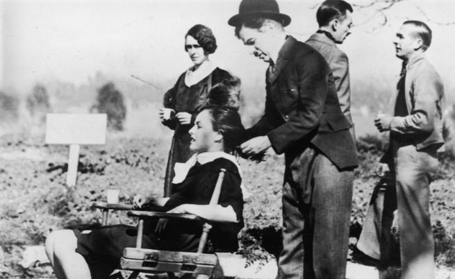 """Чарли Чаплин на снимките на """"Модерни времена"""""""