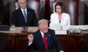 Тръмп отказа да се ръкува с Пелоси, тя скъса речта му