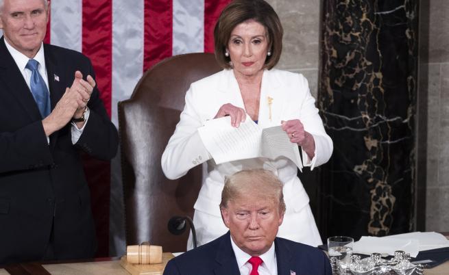 Нанси Пелоси къса речта на Доналд Тръмп