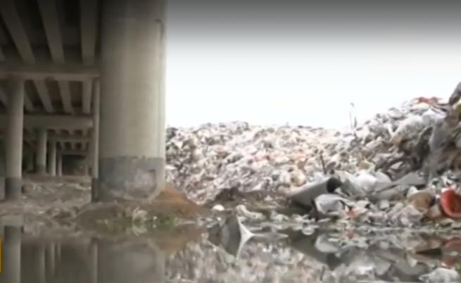 Как фирма за отпадъци разиграва цялата държава