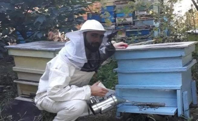 Васил Неофитов: от рок сцената с Гуано до 50 кошера с пчели