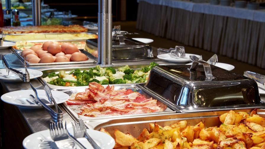 Стара, негодна храна и лоша хигиена - масово по хотелите у нас