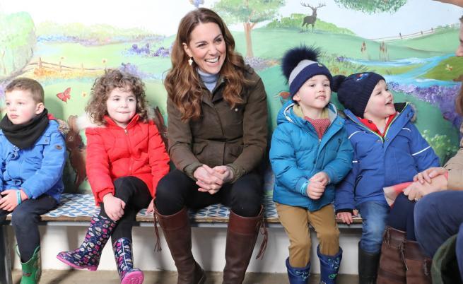 Кейт впечатли Ирландия със стилно, но ежедневно облекло