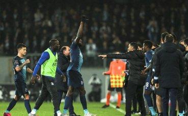 Расистки скандал в Португалия - Марега напусна, Манафа го замени
