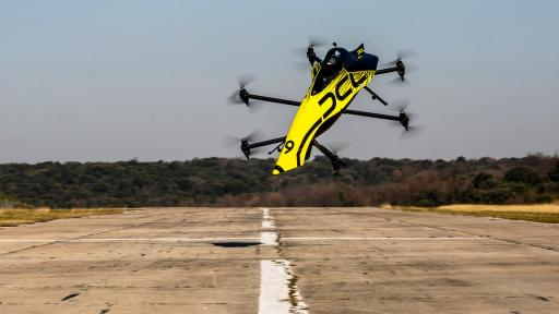 https://m4.netinfo.bg/media/images/41856/41856739/512-288-dron-pilot-aerobni-luping.jpg