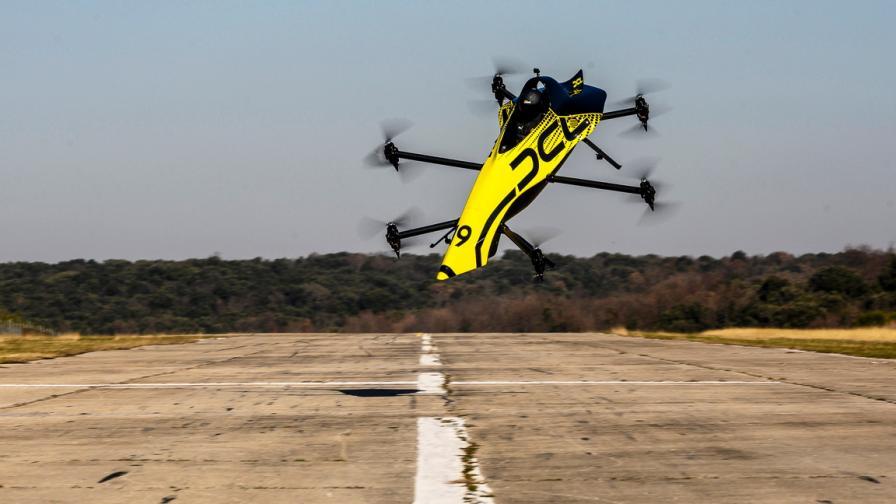 Първият в света пилотиран дрон, способен на...
