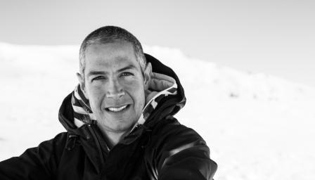 <p>Първият българин,спуснал се със сноуборд от осемхилядник</p>