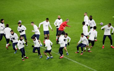 Феновете и треньорът на ПСЖ бесни на играчите след див купон