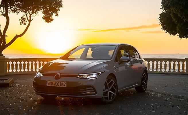 Това е първият VW, който стандартно е оборудван с Car2X. Чрез тази система Golf получава информация от останалите автомобили в радиус до 800 м, в допълнение на сигналите от пътната инфраструктура, за да предупреждава водачите за опасности и да препраща тези предупреждения към други автомобили с Car2Х.