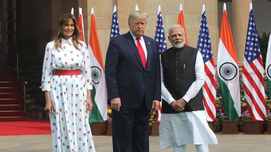 7 убити при сблъсъци в Индия на фона на посещението на Тръмп