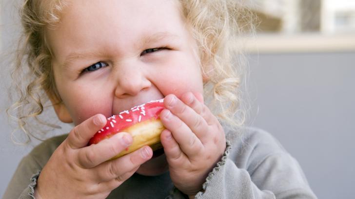 Как да храним дете на година и половина