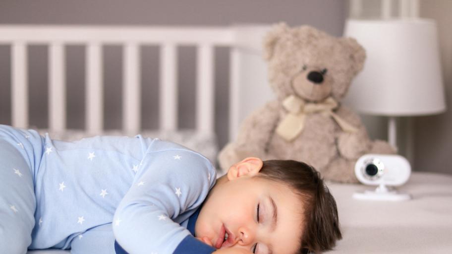 Колко спи детето на 1 година и половина