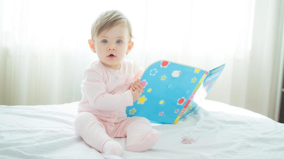 С какви занимания е изпълнен денят на дванадесетмесечното бебе