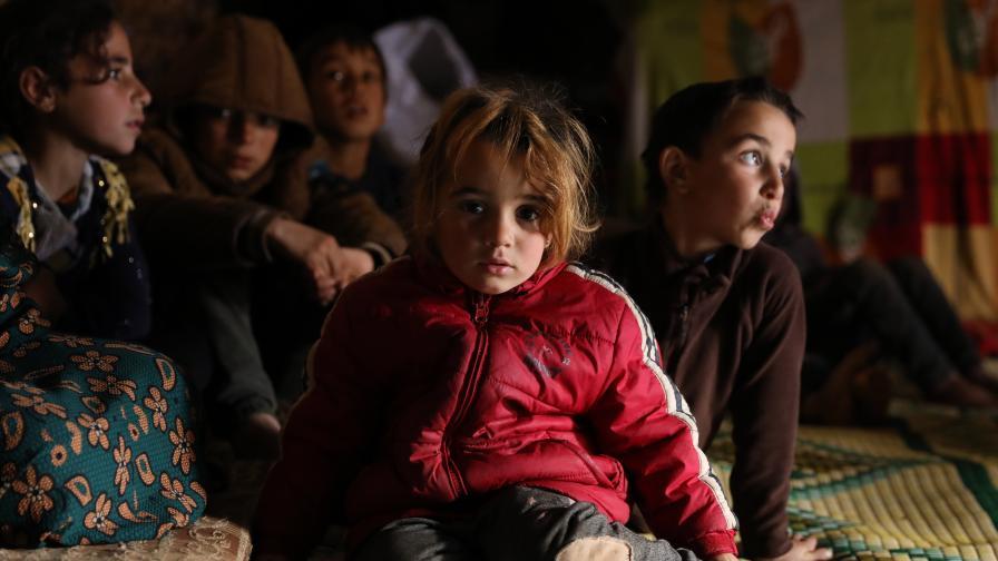 DW: Ужасът в Идлиб, 900 000 души се борят за оцеляване