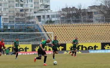 Нефтохимик без капитана си срещу Локомотив ГО