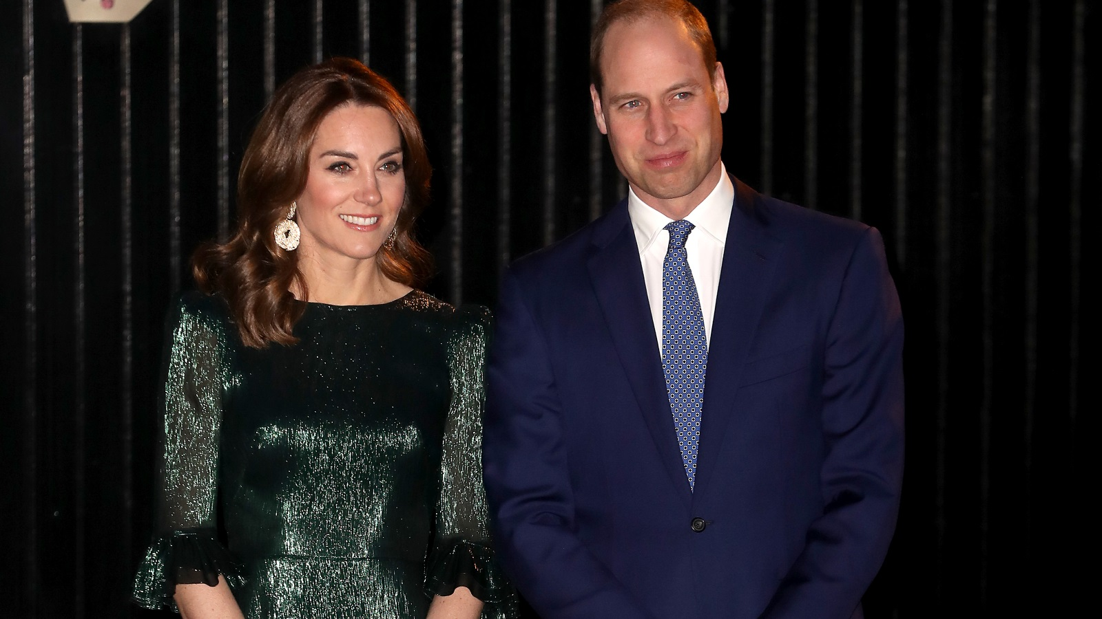 <p>Херцогът и херцогинята на Кеймбридж пристигнаха в Ирландия във вторник за тридневна обиколка, която започна изключително стилно за Кейт Мидълтън.</p>