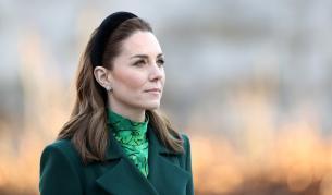 Херцогинята на Кеймбридж се появи за първи път с маска на лицето