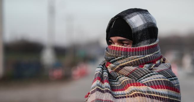 България Заловиха бежанци в хладилно ремарке на камион край Видин