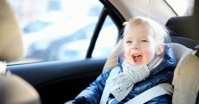 Любопитно 10 неща, които никога да не оставяме в автомобила