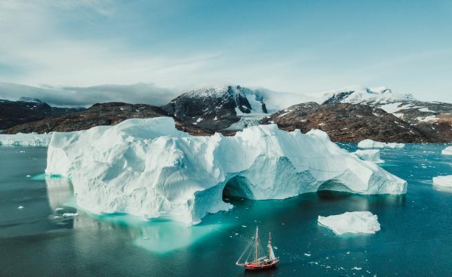 Ледът в Гренландия и Антарктида се топи 6 пъти по-бързо, отколкото през 1990