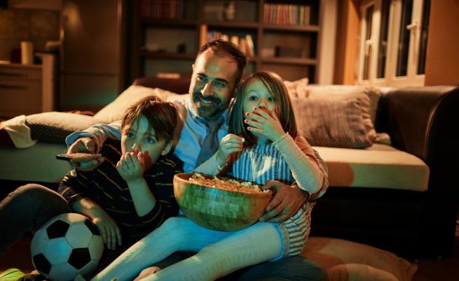 Извънредно положение: Кои филми да гледаме вкъщи