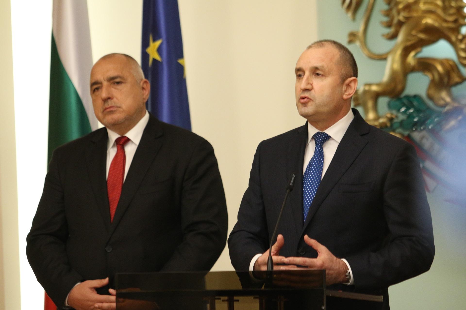 Среща на премиера Бойко Борисов и председателя на Националния оперативен щаб Венцислав Мутафчийски с президента Румен Радев