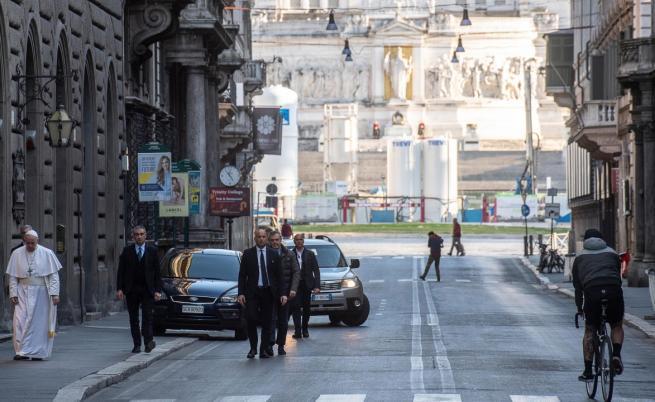 Папа Франциск из пустите улици на Рим: Да се помолим заедно