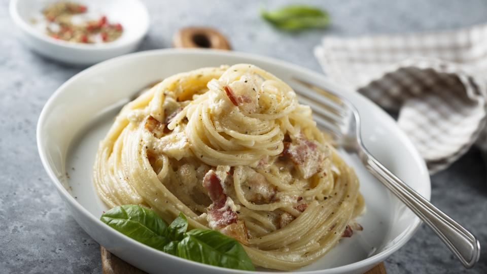Спагети с рачешко месо и фенел