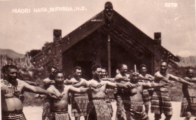 Анна Пиперкова се сприятелява с вожда на маорите - Мита Таупопоки.