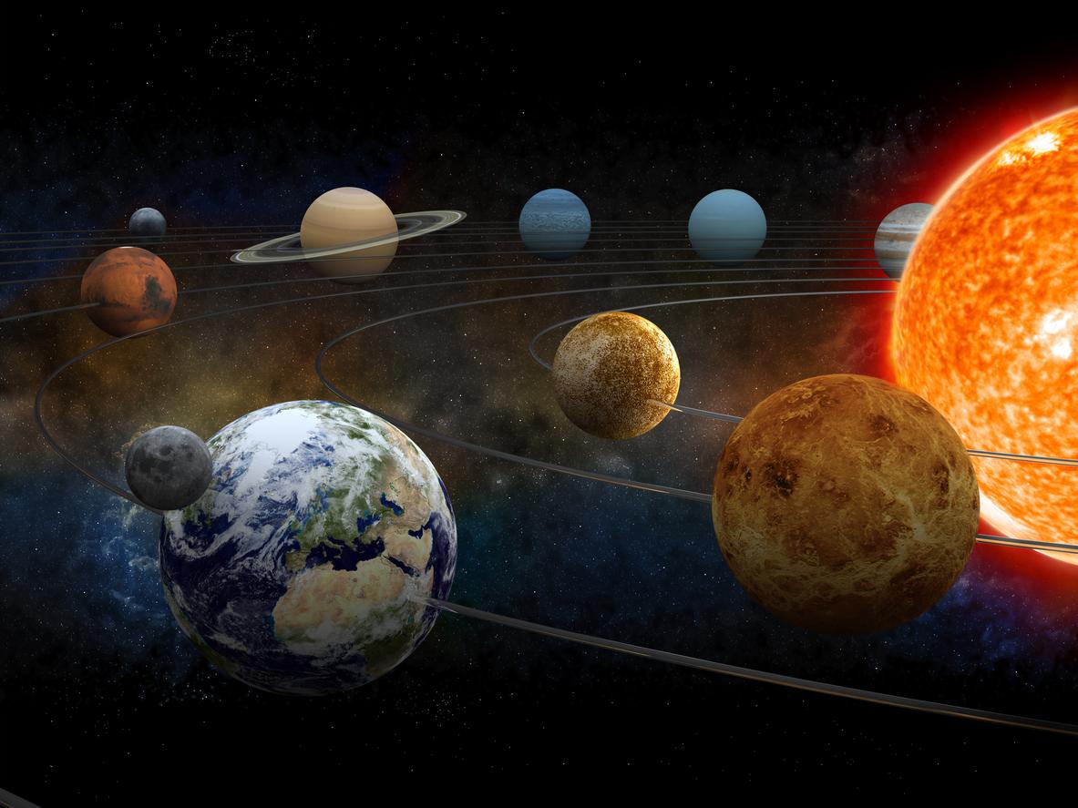 <p><strong>9. Каква е неформалната класификация на звездата в нашата планетарна система &ndash; Слънцето?</strong>&nbsp;Б) жълто джудже</p>  <p><strong>10. На коя планета в Слънчевата система се намира най-високата планина?</strong> Г) Марс</p>