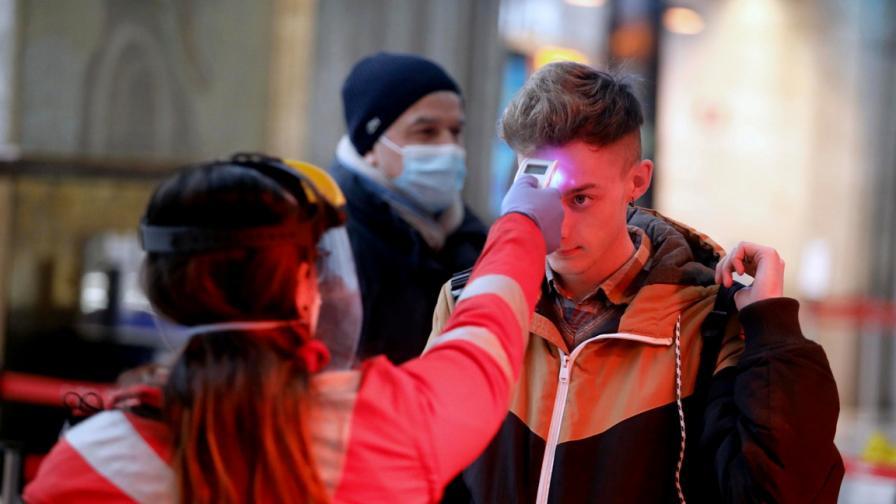 Италия: Намалява броят на заразяване с...