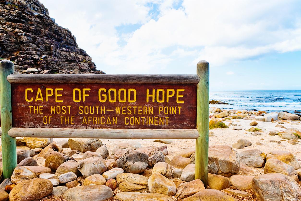 <p><strong>7. Кое от тези събития се е случило преди всички останали?</strong></p>  <p>Б) Бартоломео Диас достига нос Добра надежда в Африка</p>  <p><strong>8. &lsquo;</strong><strong>Sweet</strong> <strong>Child</strong> <strong>O</strong><strong>&rsquo;</strong><strong>Mine</strong><strong>&rsquo; и &lsquo;</strong><strong>Paradise</strong> <strong>City</strong><strong>&rsquo; са парчета на коя американска група?</strong></p>  <p>В) Guns N&#39; Roses</p>