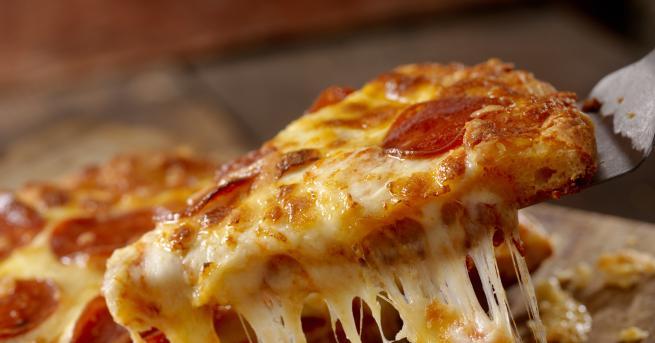 Любопитно 3 бързи и апетитни рецепти за домашна пица За