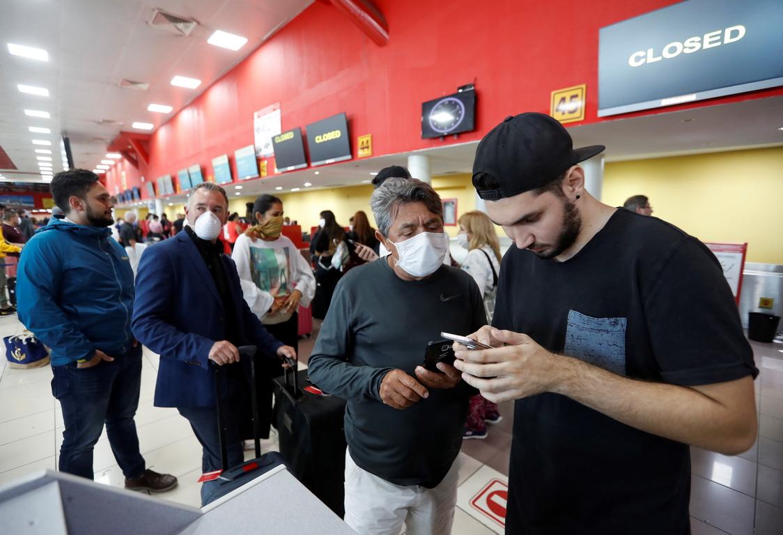 <p>На кубинците в чужбина ще бъде разрешено да се приберат, а на чужденците в Куба - да я напуснат.</p>